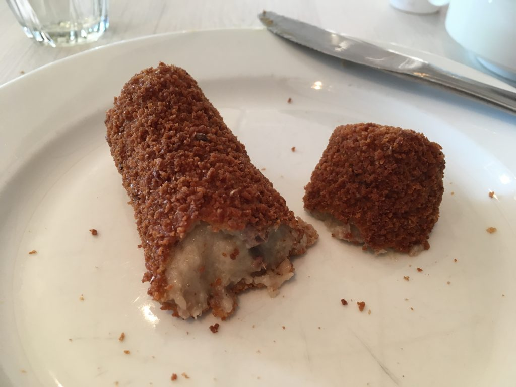 Kroketten - Dutch croquette of meat ragout.